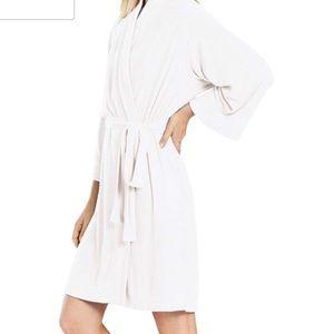 "N Natori Soft terry spa robe 40"" white size L NWT"